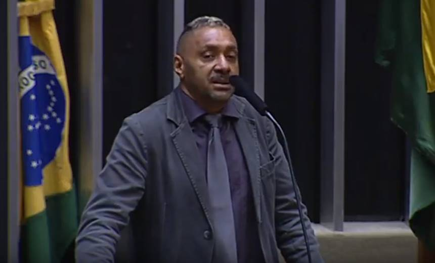 Tiririca renuncia ao cargo de deputado federal