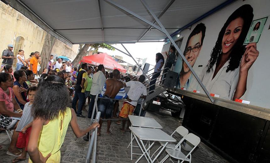 Lauro de Freitas recebe atendimento do SAC Móvel
