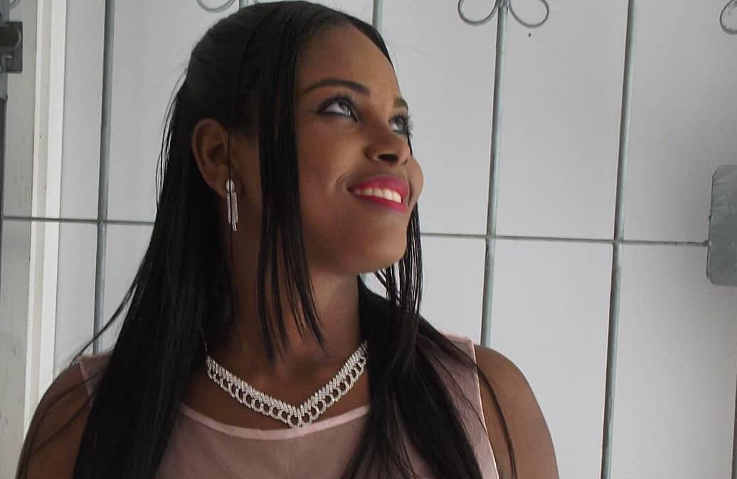 Depois de ficar presa em catraca de ônibus, mulher emagrece mais de 30 kg em Simões Filho