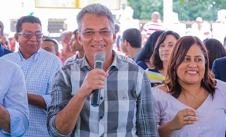Dinha Tolentino - prefeito Dinha
