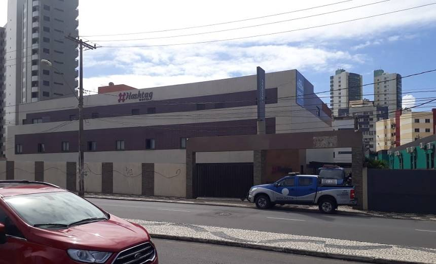 Médico-de-72-anos-é-morto-por-mulher-em-motel-no-Costa-Azul-autora-cometeu-suicídio