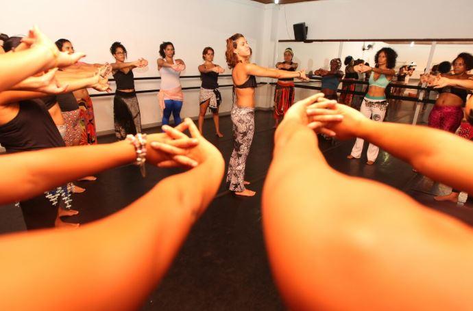 Escola abre 600 vagas em Cursos Livres para quem quer aprender a dançar