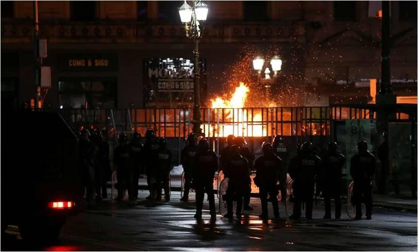 Veto ao aborto provoca protestos e celebrações na Argentina