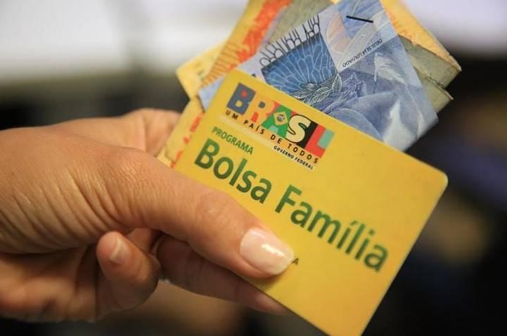 Governo libera novo pagamento do Bolsa Família; datas vão de 20 de 31 de maio