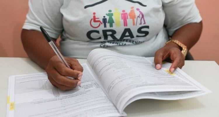 Idosos e deficientes que recebem o BPC precisam se registrar no Cadastro Único urgente