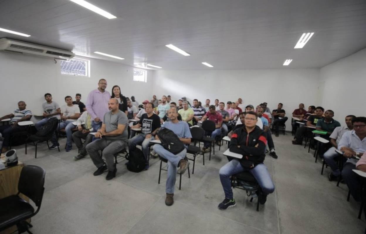 Empresa contrata 250 profissionais para trabalhar no Polo Industrial de Camaçari