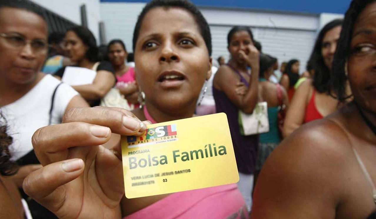 Presidente revela datas de suspensão de pagamentos do Bolsa Família, aposentadorias e BPC