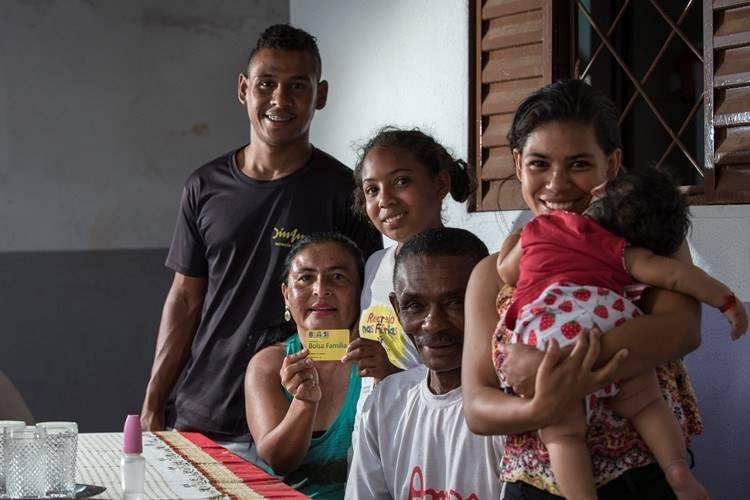 Foto de família beneficiária do Bolsa Família