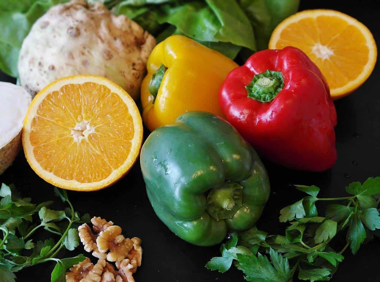 10 nutrientes que seu corpo precisa para lutar contra o covid-19