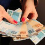 INSS: Fila faz aposentados pagarem mais Imposto de Renda