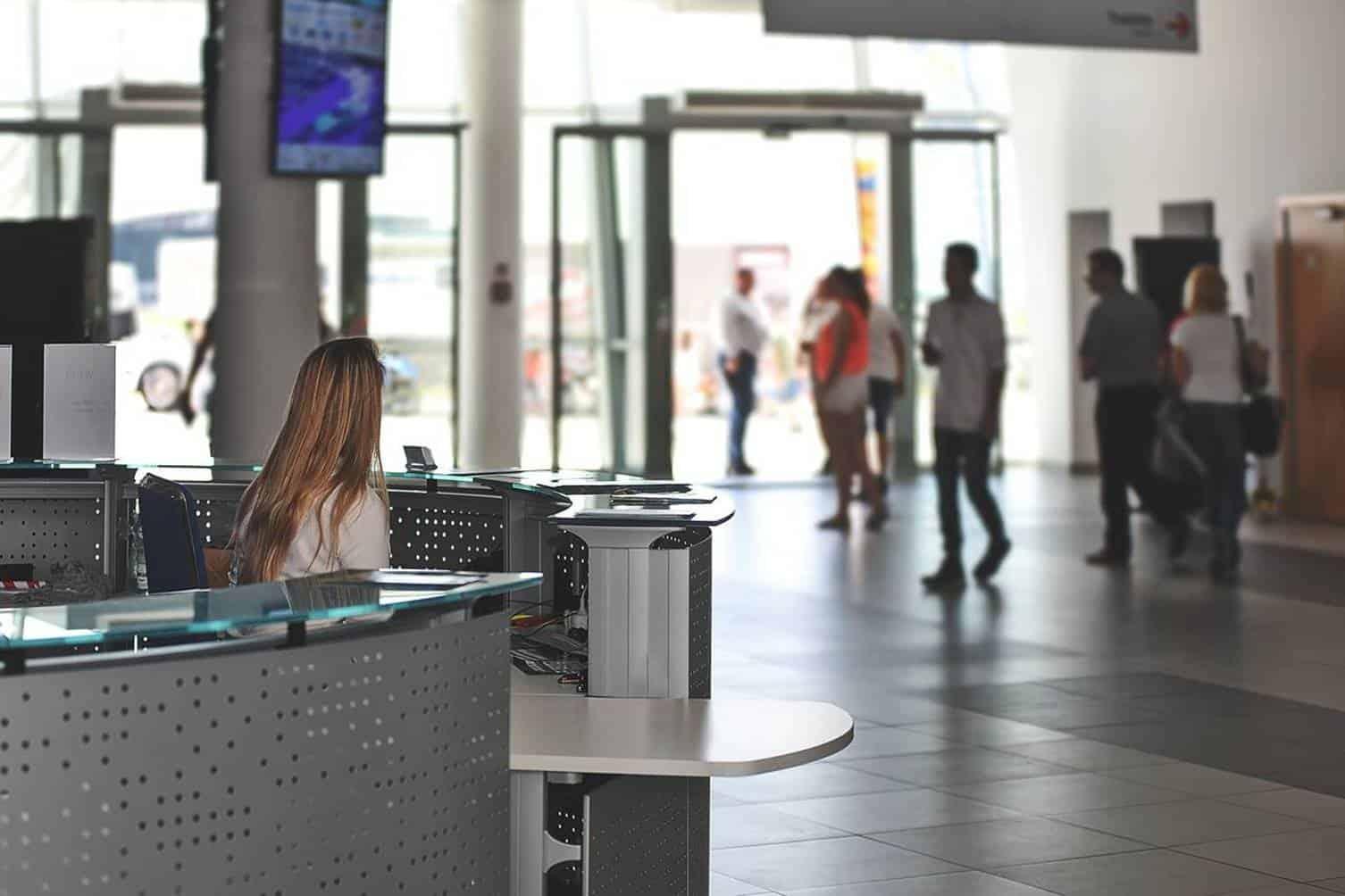 Como enviar currículo para trabalhar nos aeroportos do país