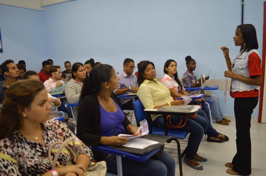 Projeto oferece cursos gratuita em Lauro de Freitas