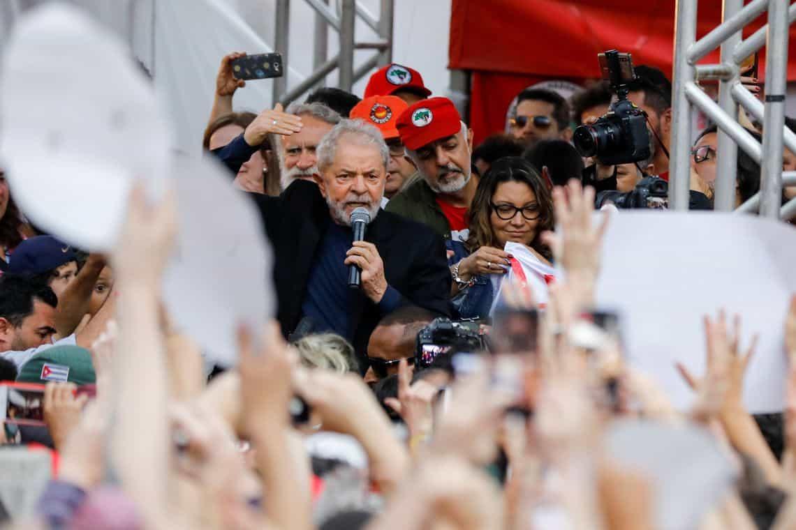 Lula deixa carceragem da Polícia Federal em Curitiba