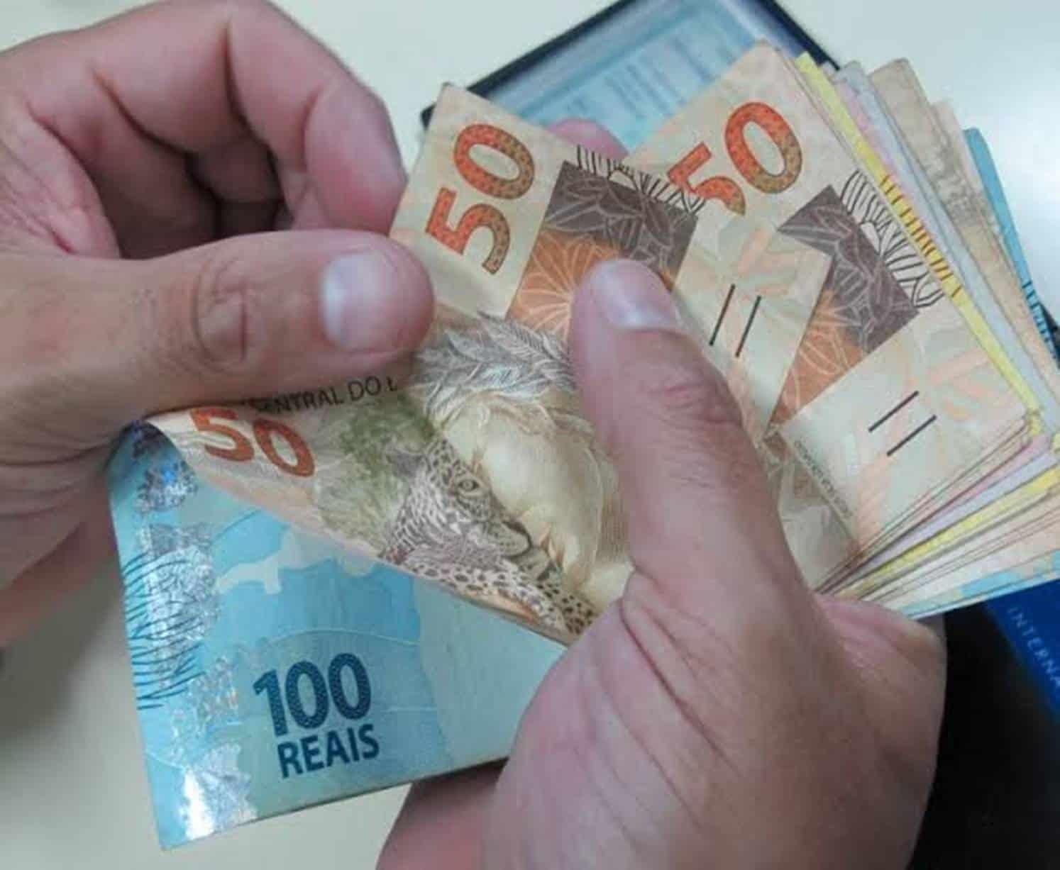 Décimo quarto (14º) salário para aposentados do INSS recebe mais de 20 mil votos