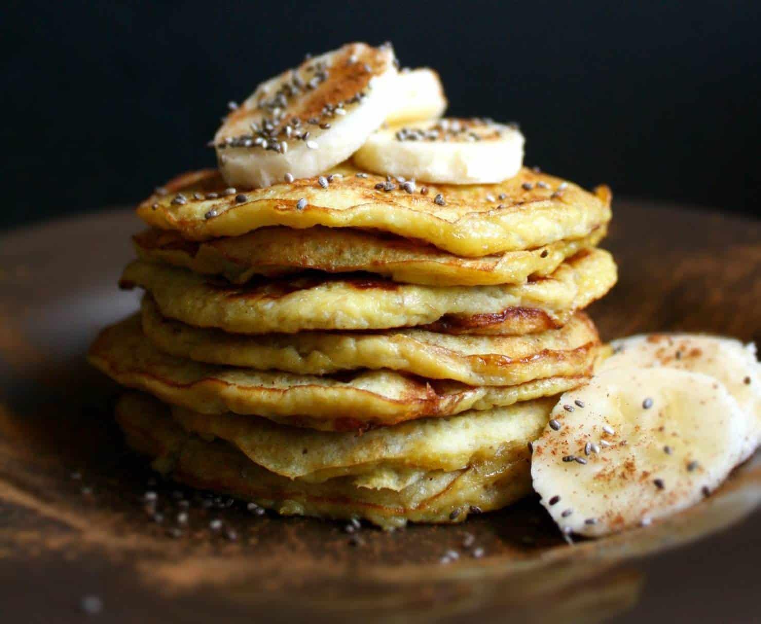 Receita fácil de panquecas fit de banana com apenas 3 ingredientes
