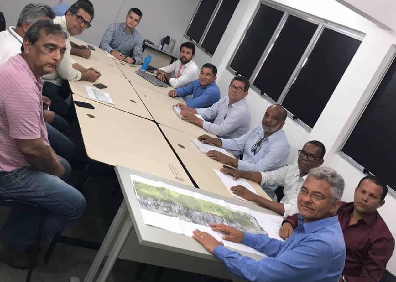 Técnicos da Skyrail apresentam VLT ao prefeito de Simões Filho