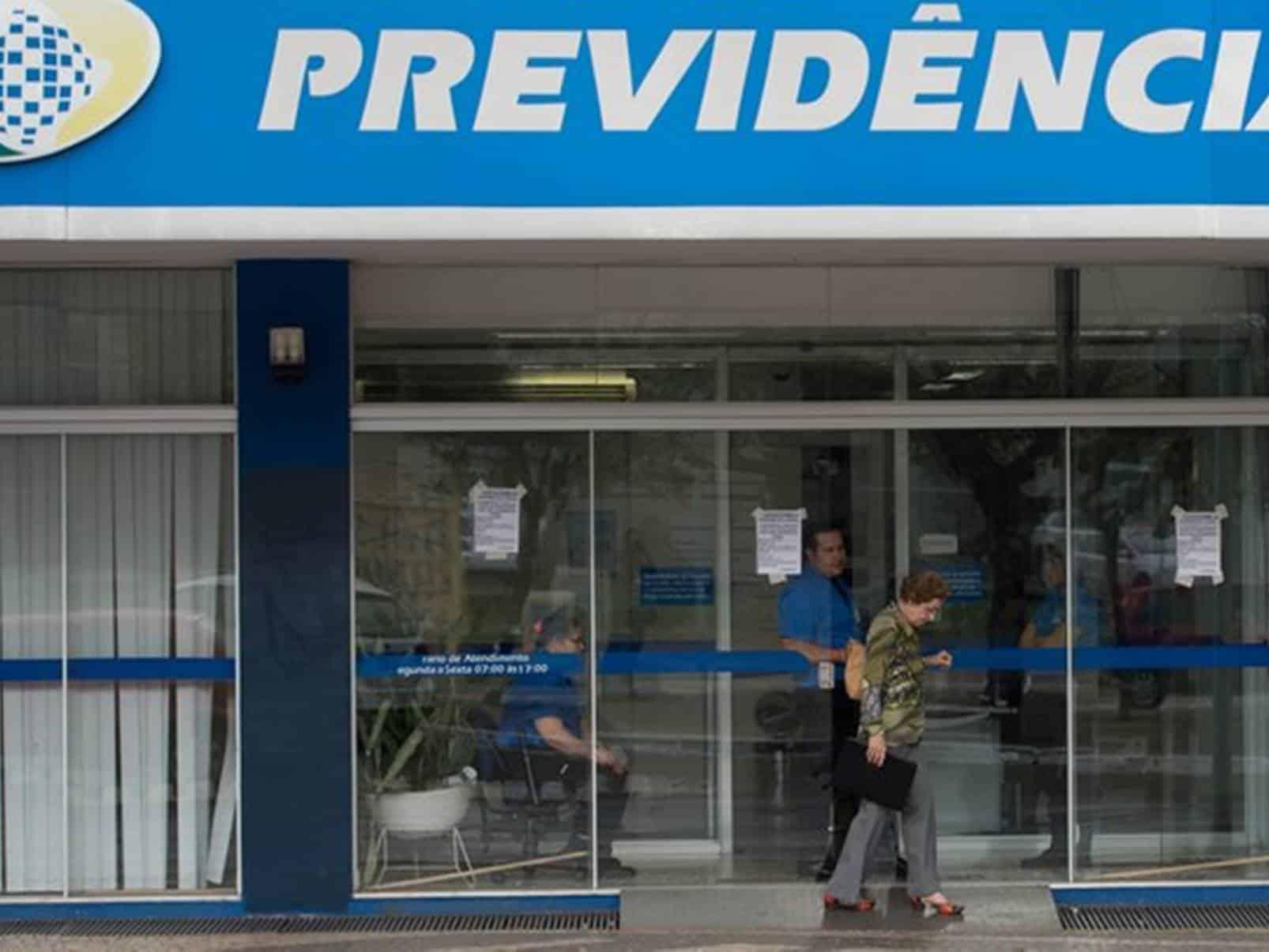 Descontos voltam a acontecer direto no salário do aposentados e pensionistas do INSS.