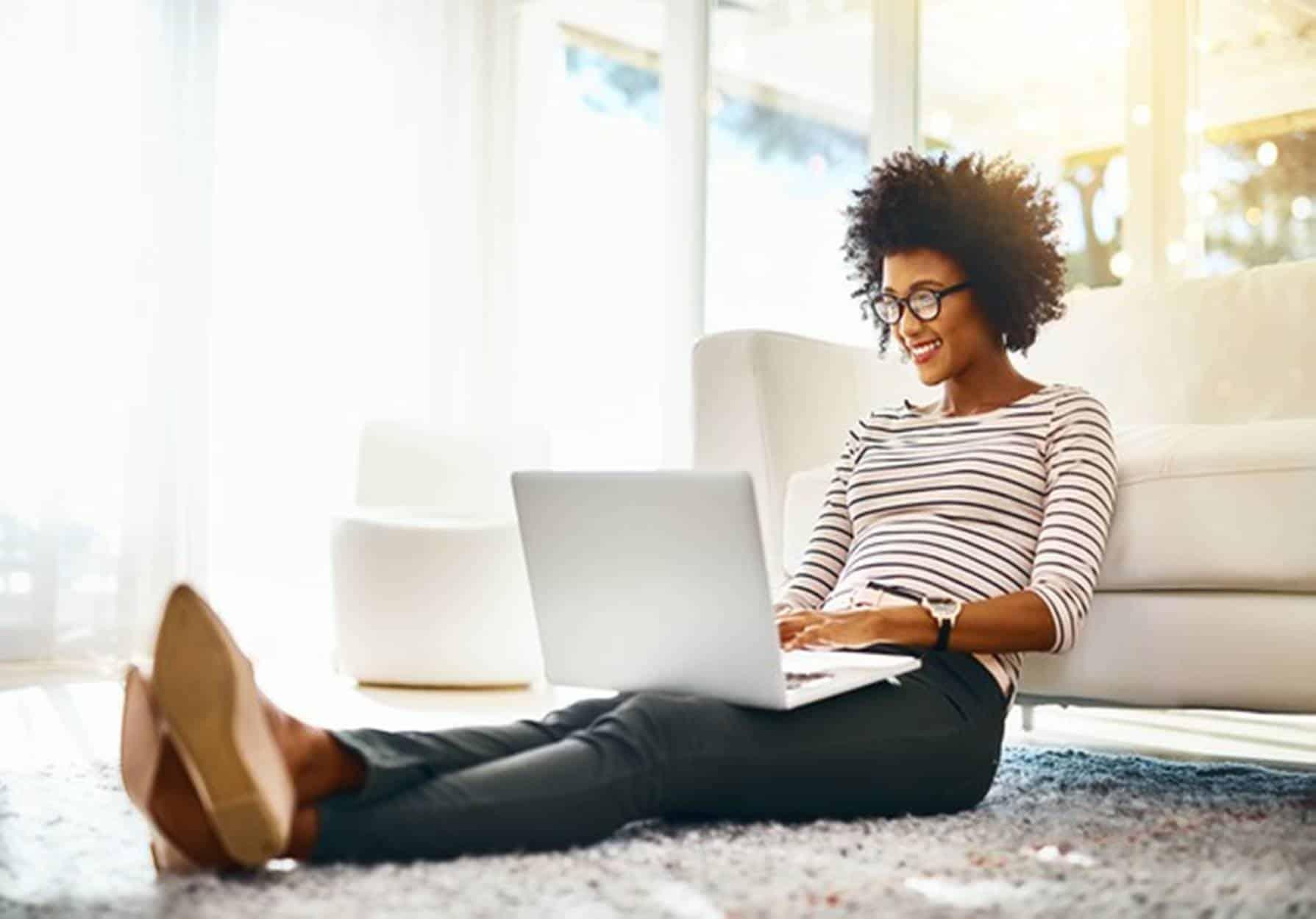 Confira 7 maneiras pra ganhar dinheiro sem sair de casa