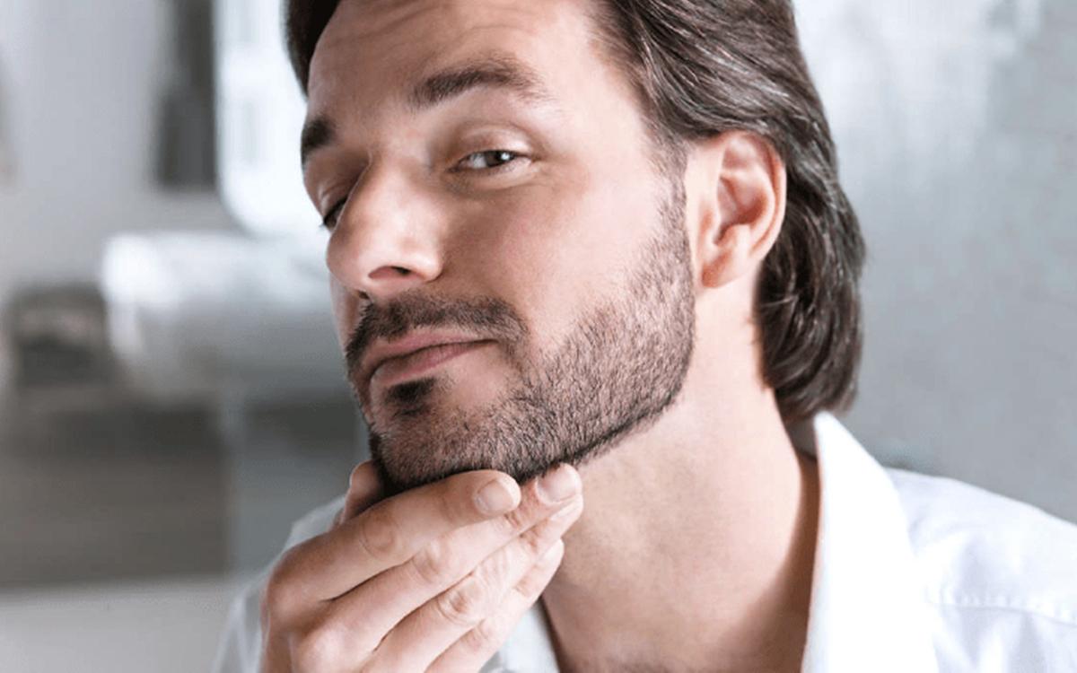 Barba sem falhas: Aprenda a fazer sua barba crescer corretamente
