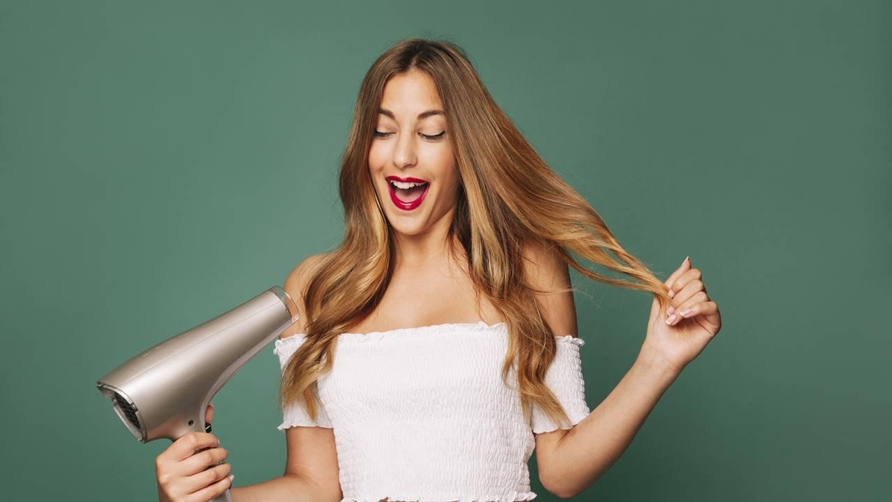 Descubra como fazer cauterização capilar caseira - alisa o cabelo?