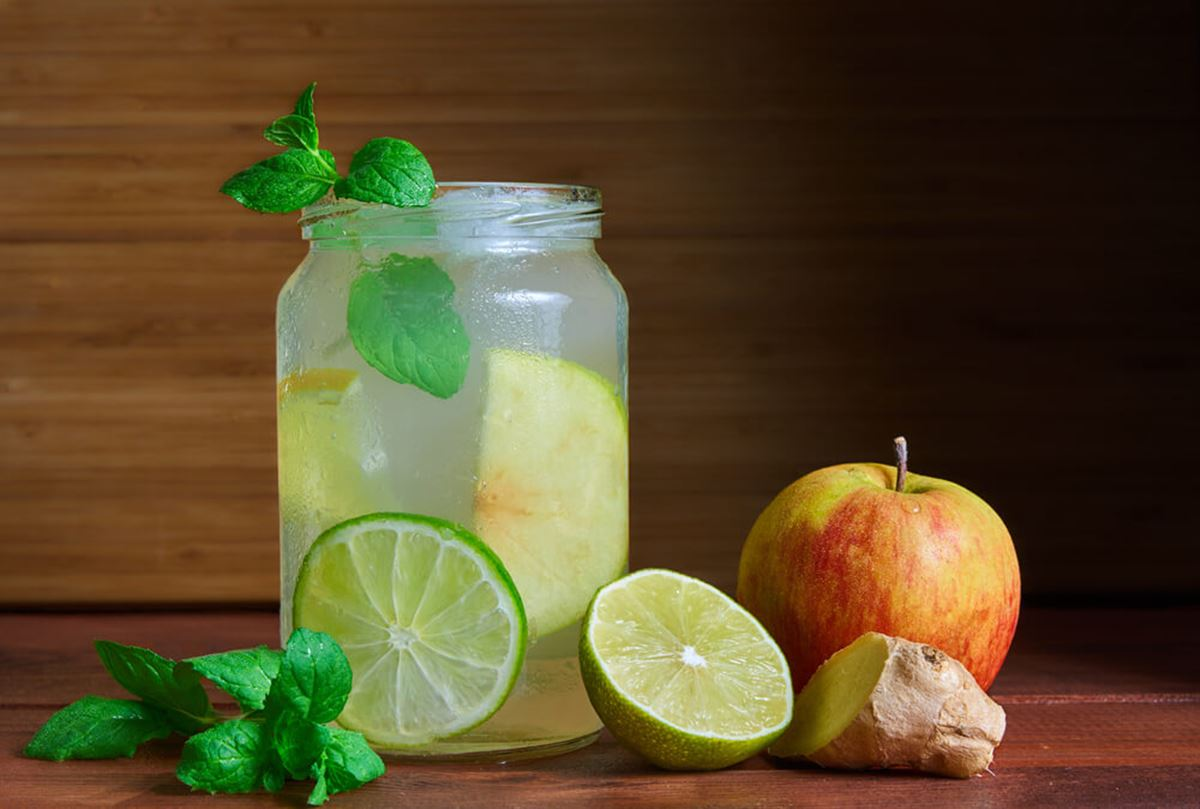 Limonada detox com gengibre e maçã: Desintoxica e emagrece