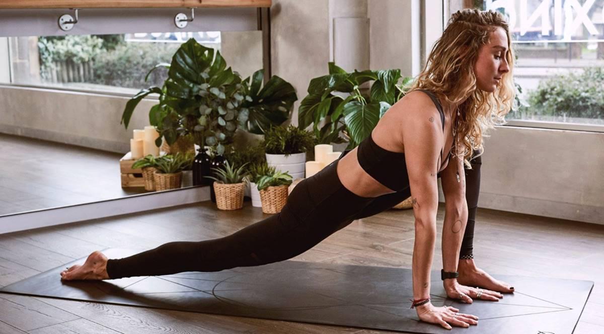 Usando a Yoga para fazer o cabelo crescer - confira posições