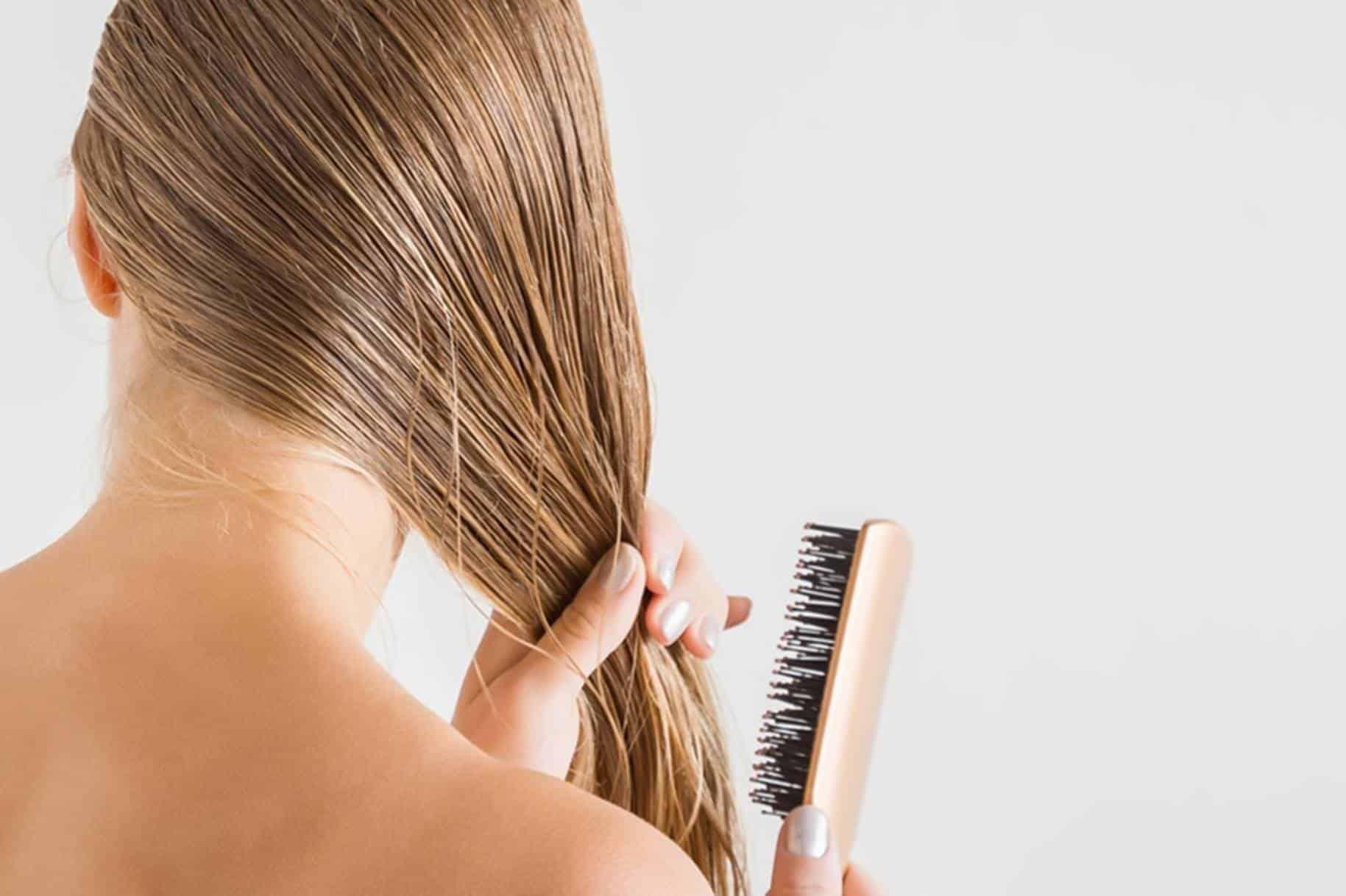 Elimine o ressecamento e o frizz do cabelo usando gel caseiro de linhaça