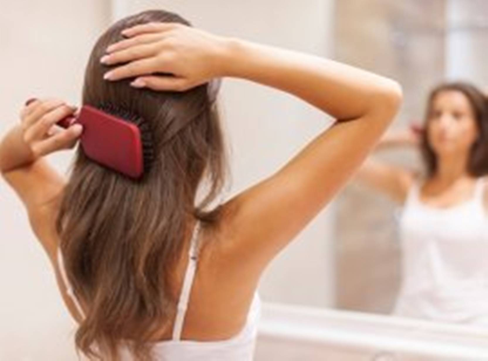4 piores erros que cometemos ao pentear o cabelo diariamente