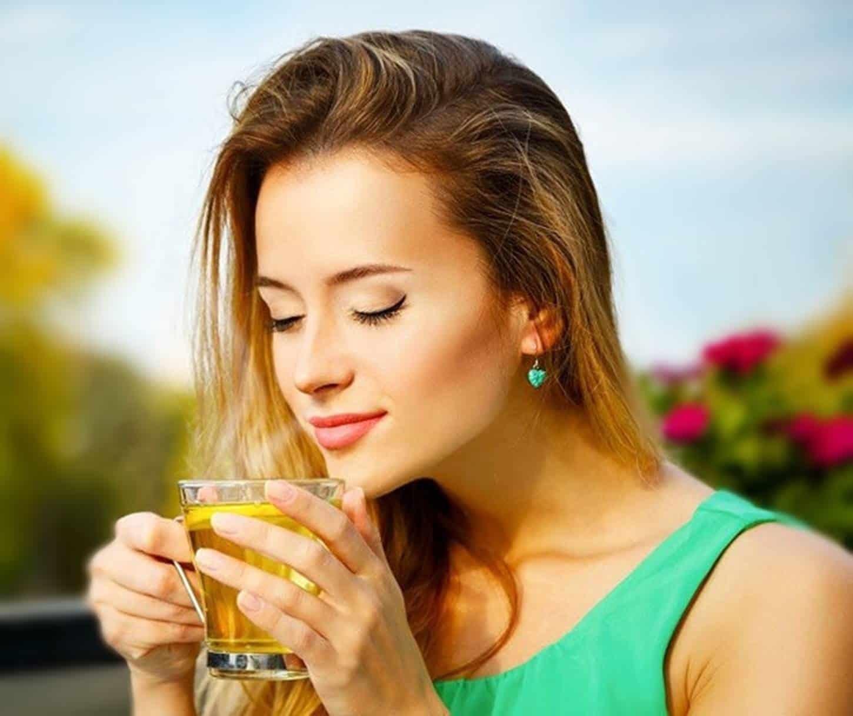 Chá de cavalinha te ajuda emagrecer e previne celulites