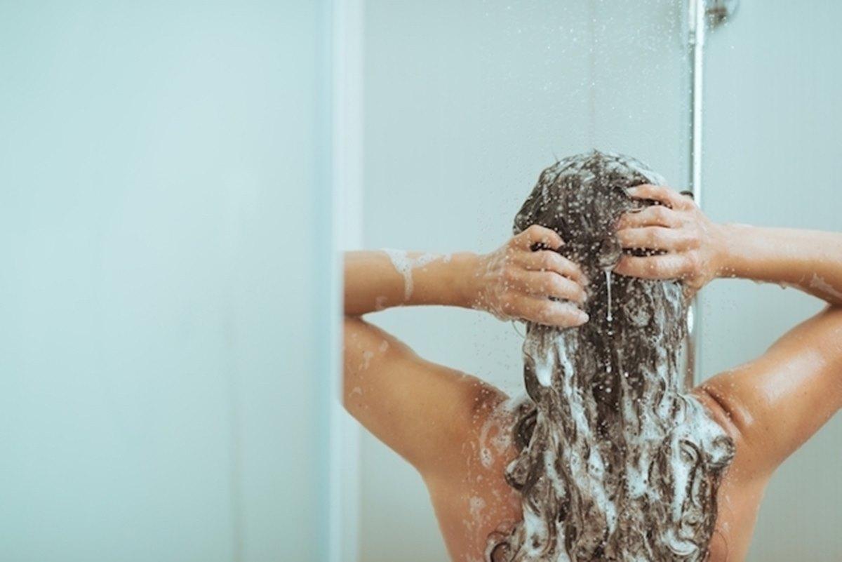 Anticoncepcional no shampoo faz o cabelo crescer rápido? Entenda!