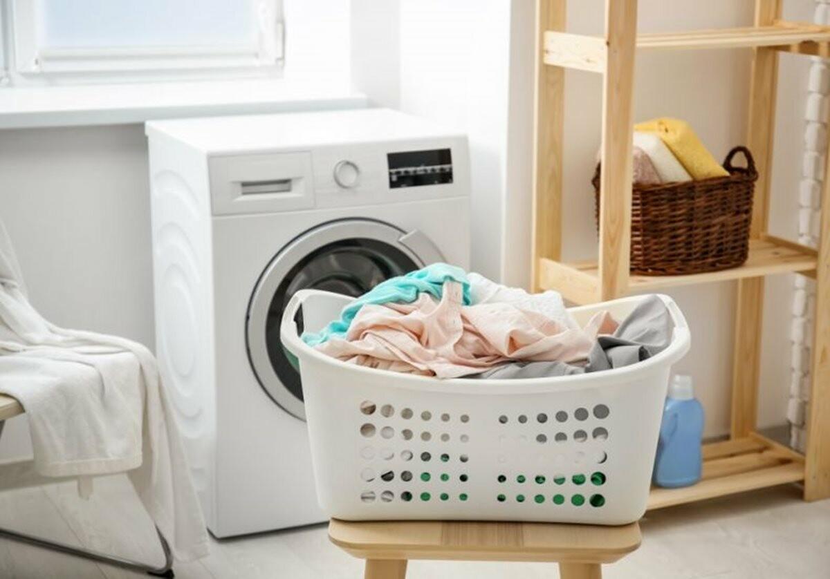 5 dicas que vão facilitar sua vida na hora de lavar roupas.