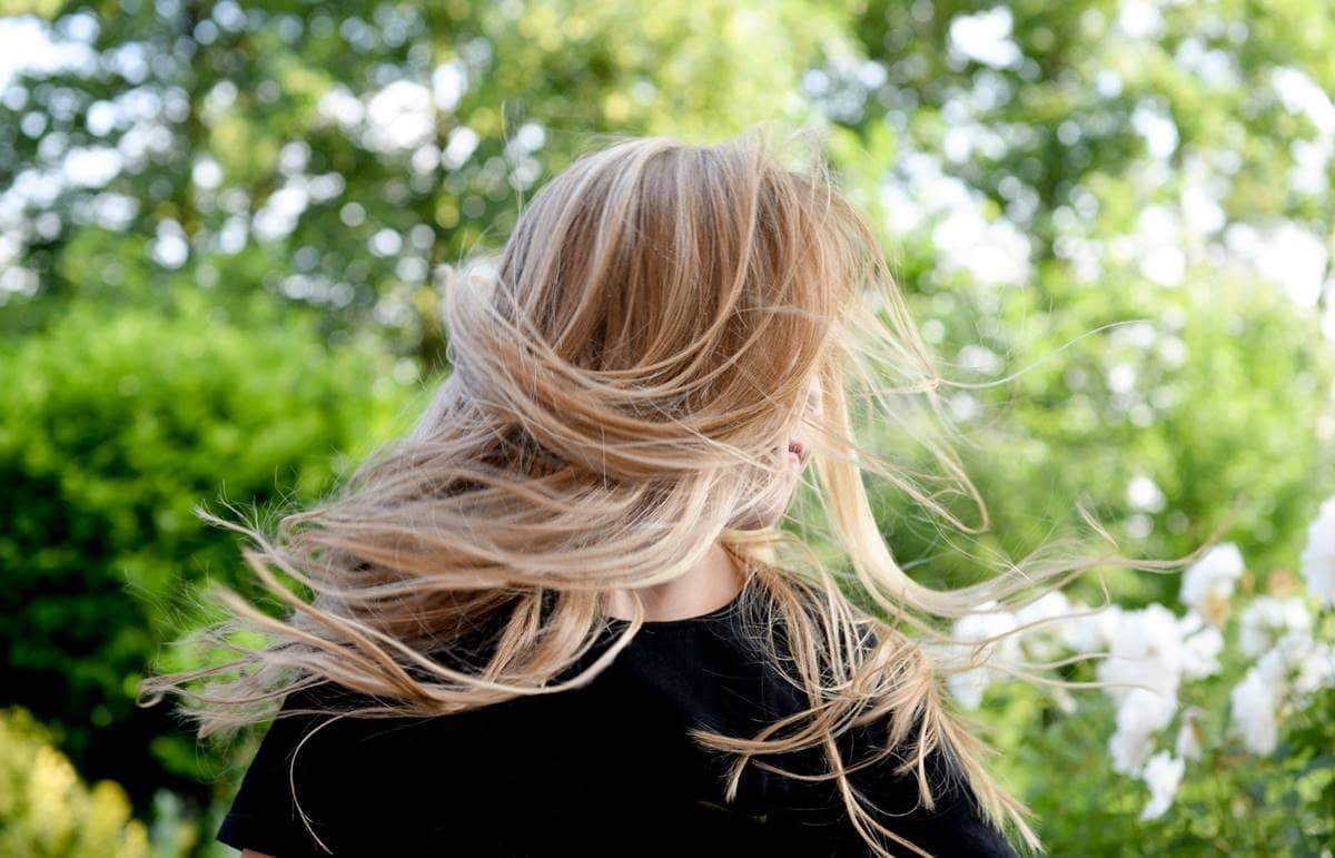 Em quanto tempo o Monovin A faz o cabelo crescer?