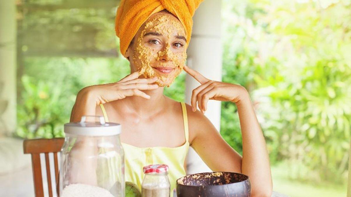 Prepare estas máscaras caseiras com mel para a sua pele