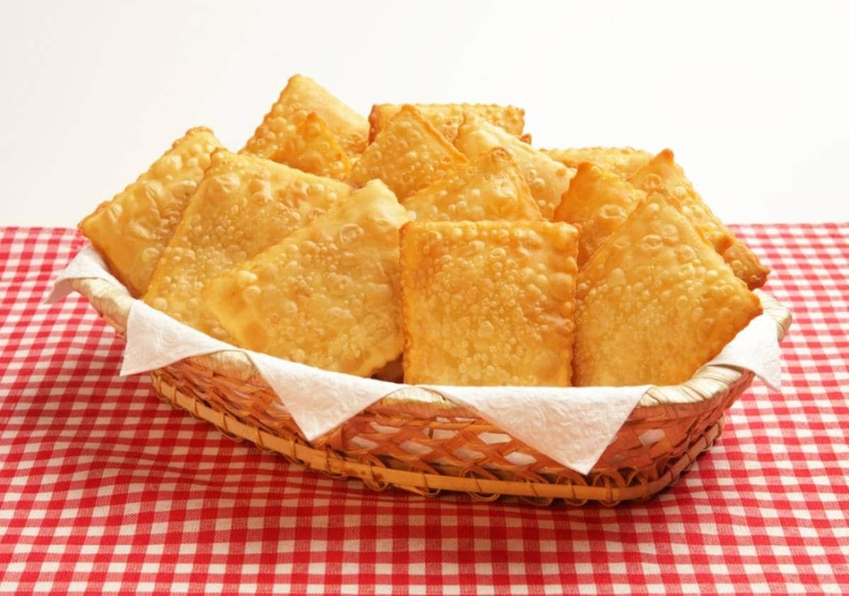 Pastel de feira: Receita perfeita para você preparar em casa para o lanche