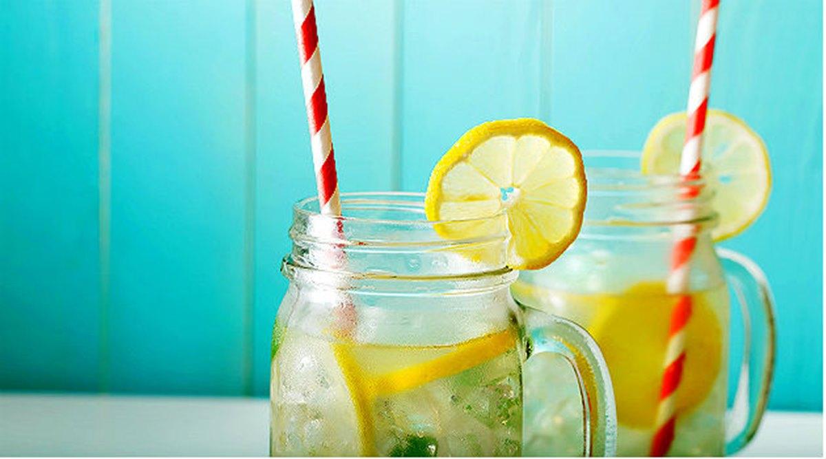 5 bebidas naturais para limpar e hidratar a pele
