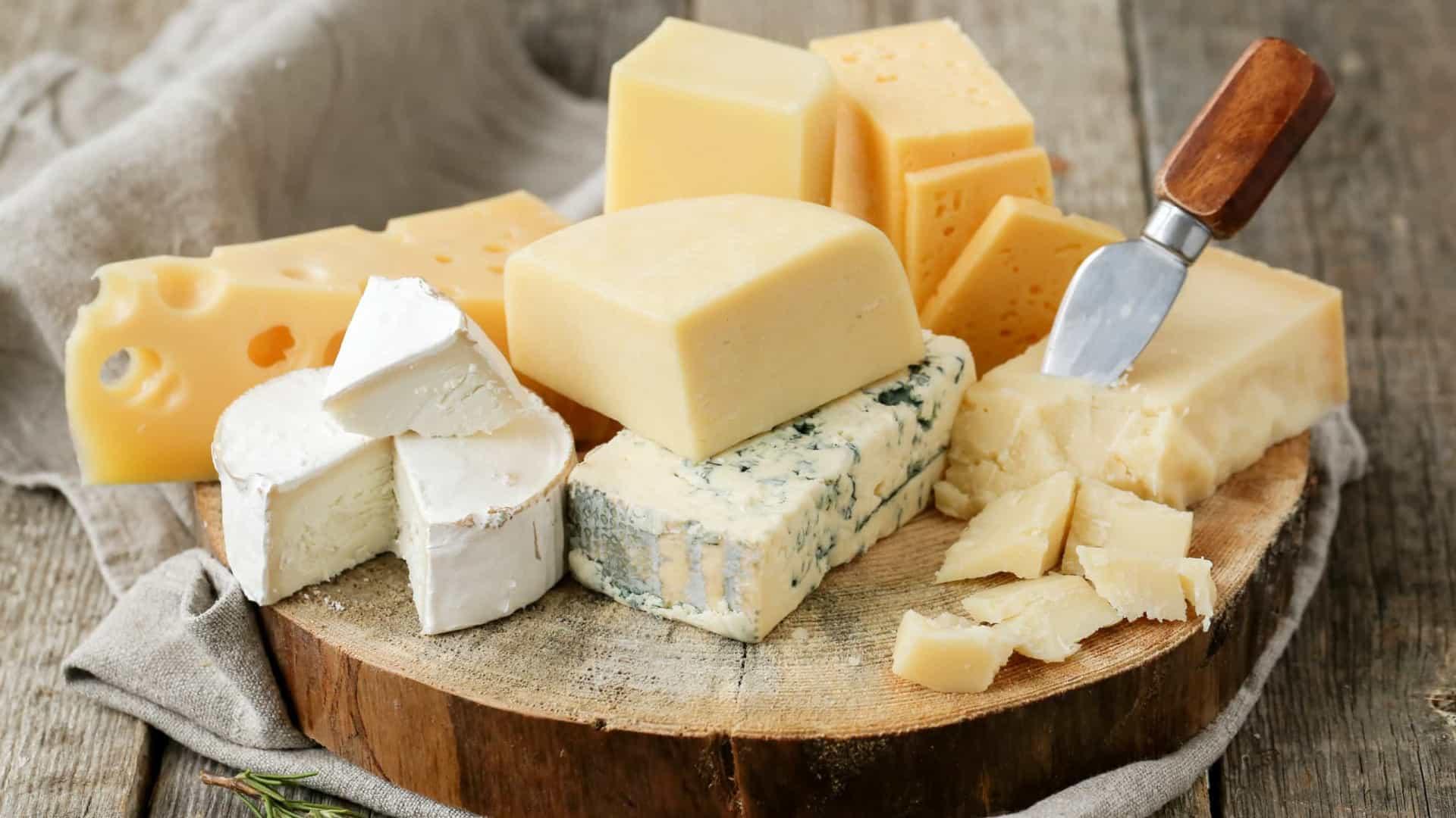 Veja o que pode acontece com o corpo de quem come queijo todos os dias