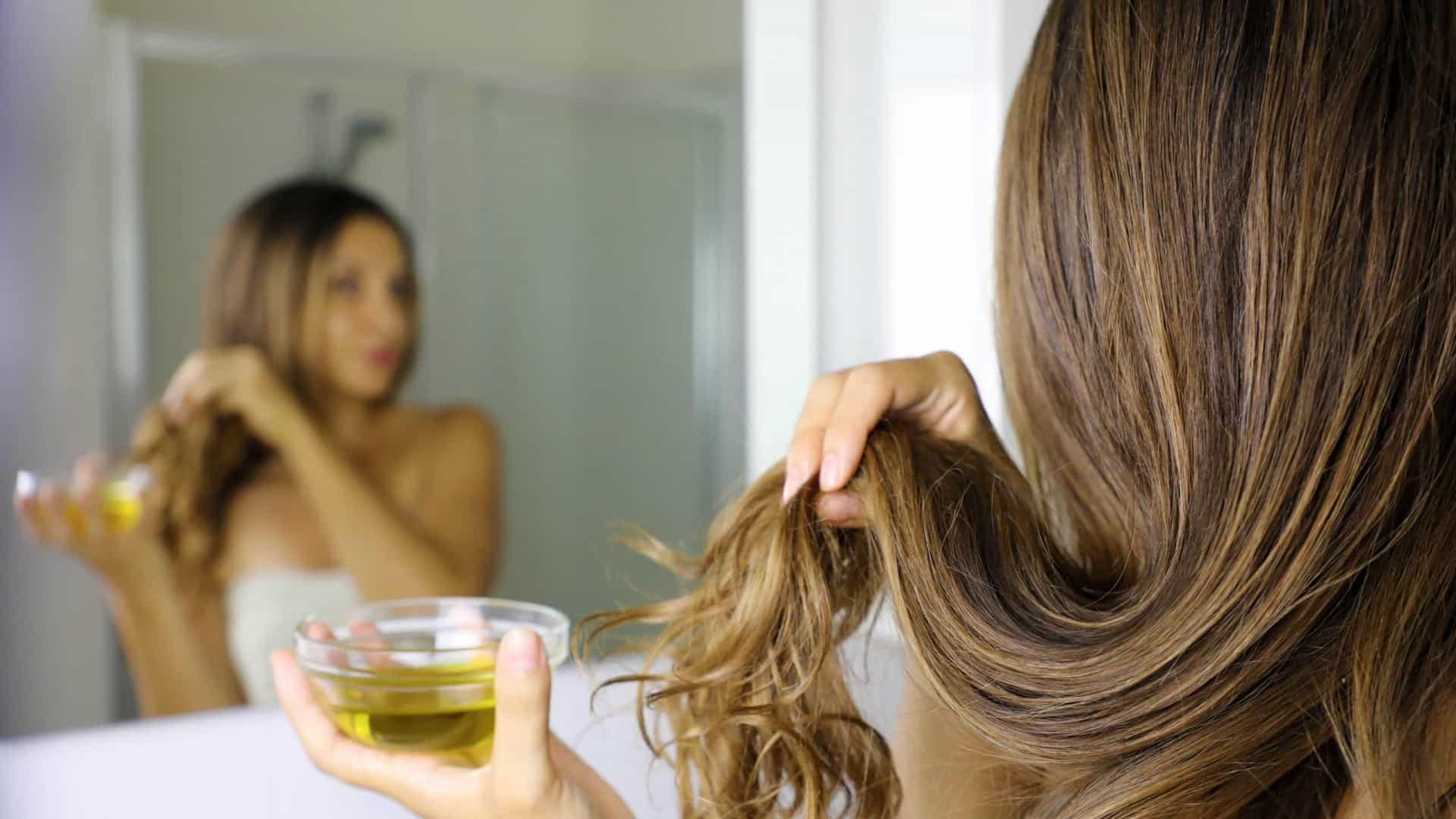Aprenda uma receita caseira para ter cabelo liso e macio