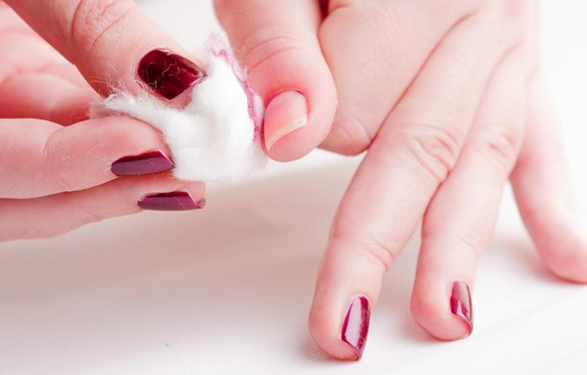 Veja outros produtos que podem remover esmaltes e você não sabia