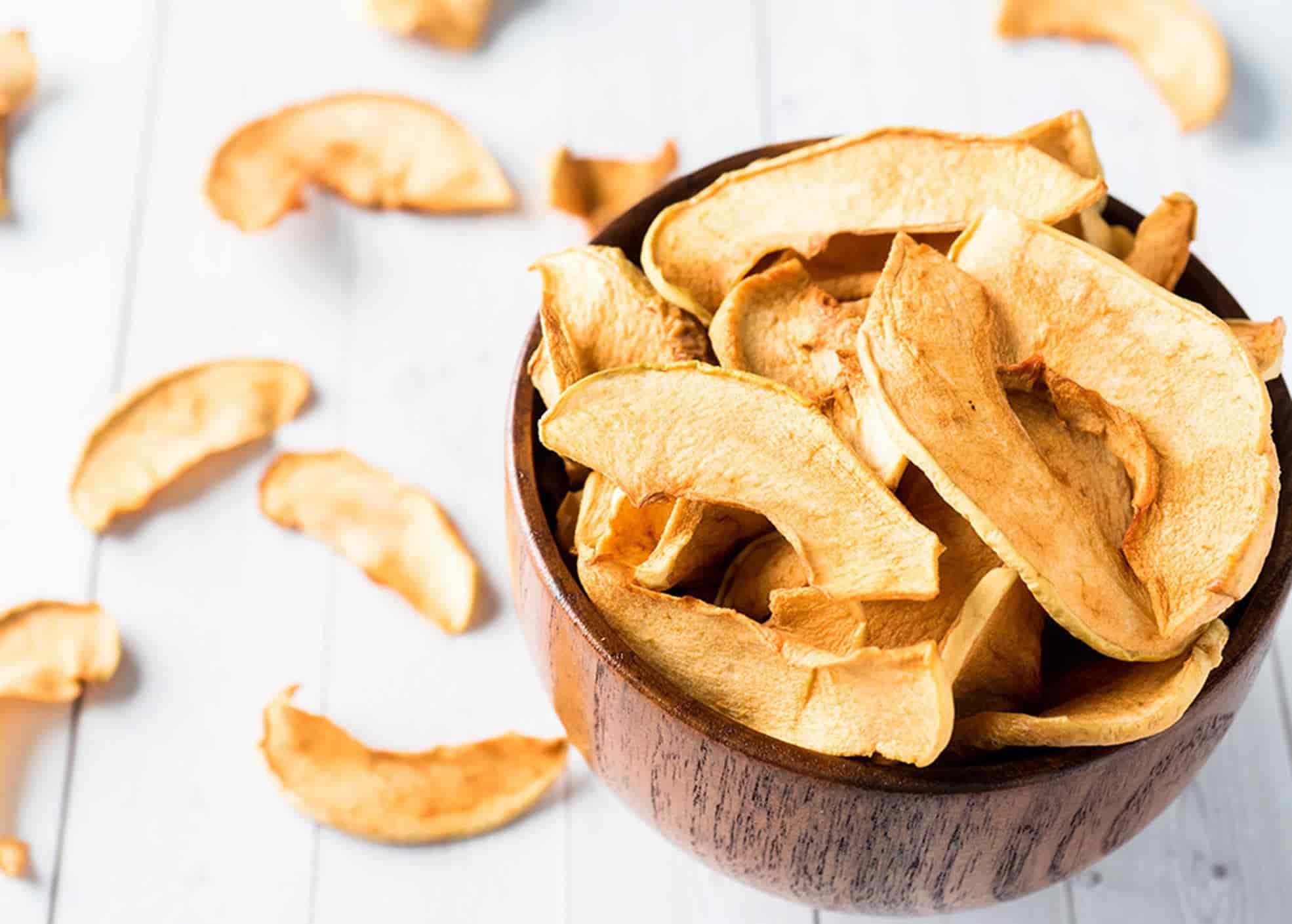 Aprenda receitas de chips de frutas e legumes simples e deliciosas