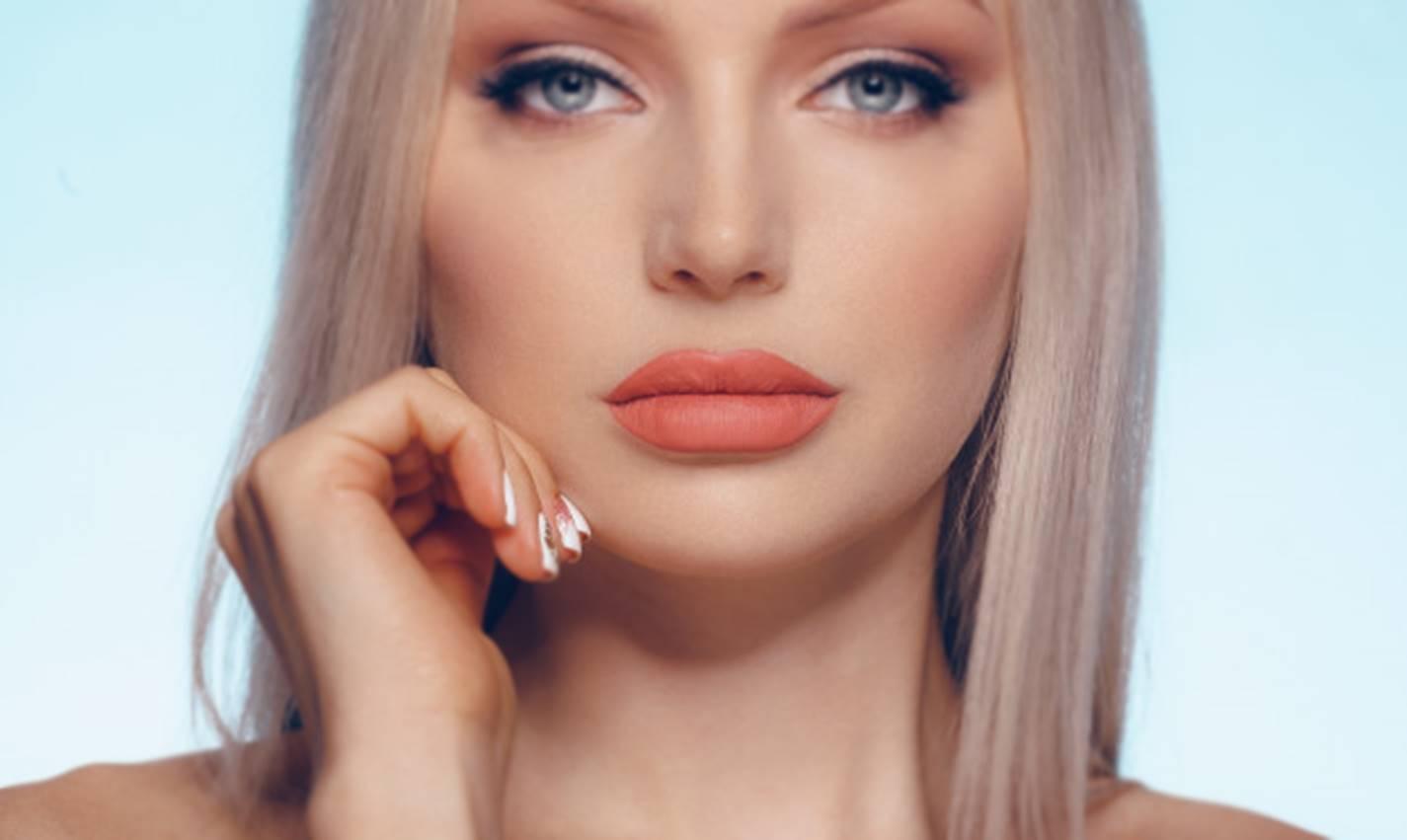 Botox natural: canela e mel, a combinação perfeita para lábios carnudos