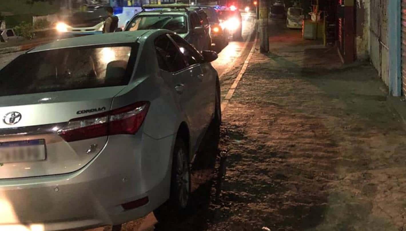 Motorista de aplicativo é amarrado em matagal durante assalto em Simões Filho