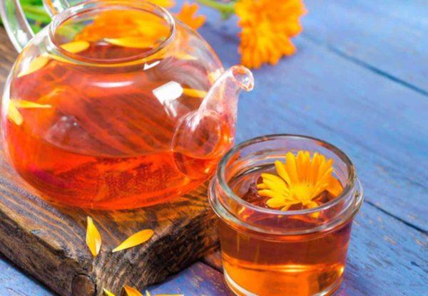 Beba o chá de flores de calêndula e desfrute dos seus benefícios