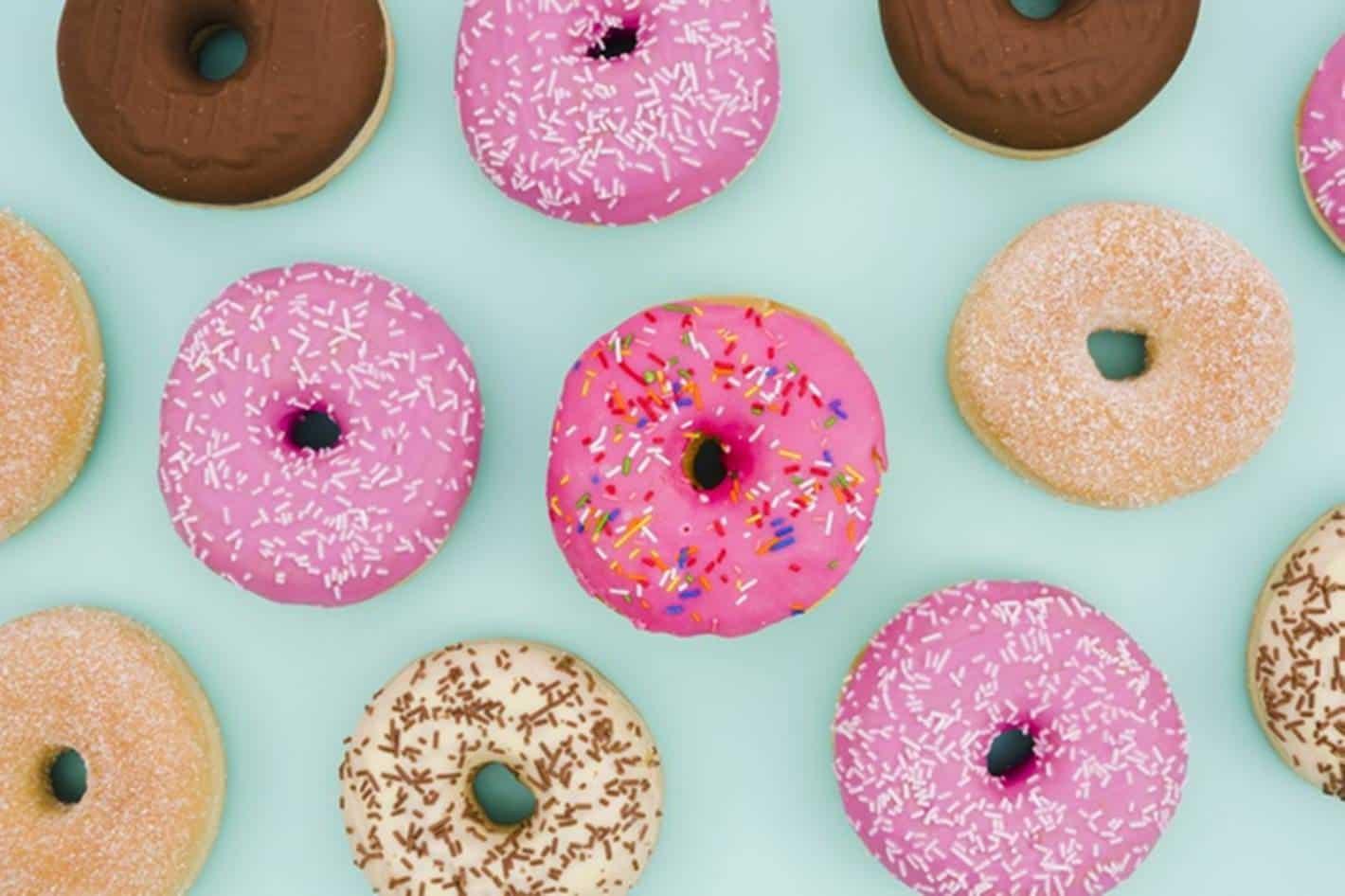 Aprenda a fazer donuts de maneira fácil; leva apenas 15 minutos