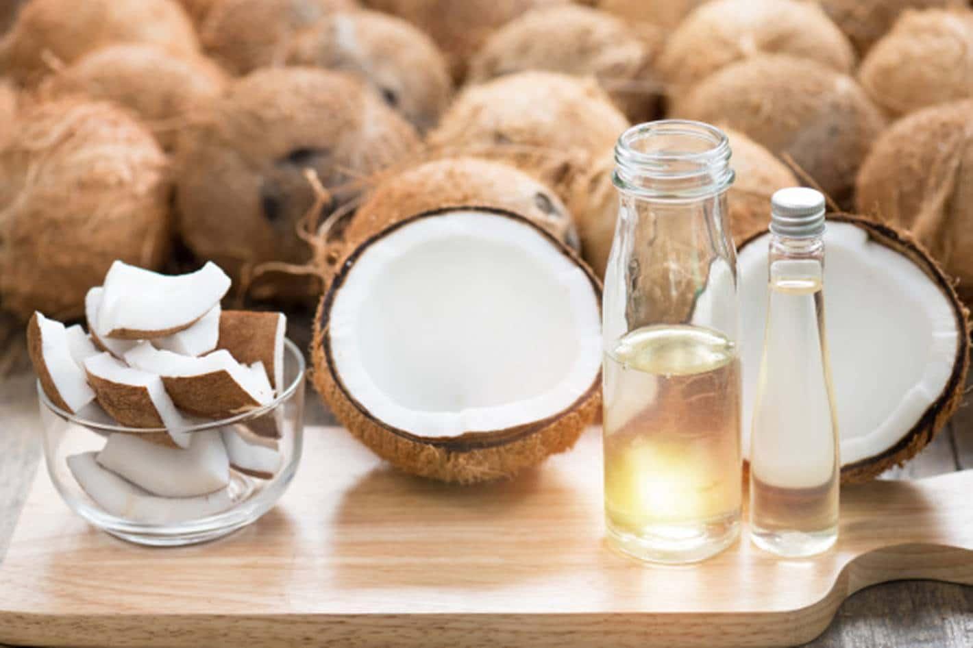 Como usar corretamente o óleo de coco no cabelo para ótimos resultados