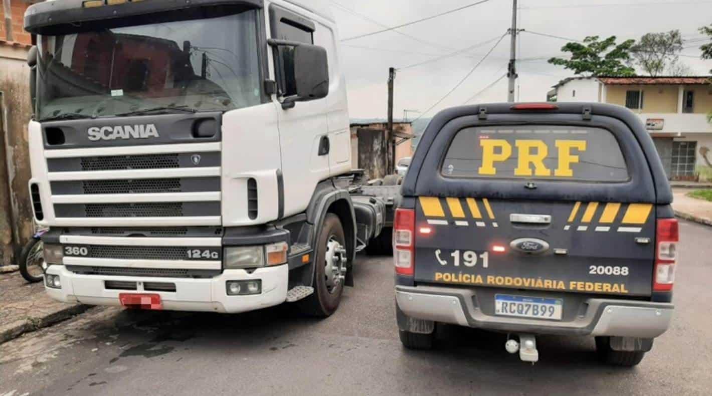 Polícia recupera em Simões Filho caminhão roubado no RJ