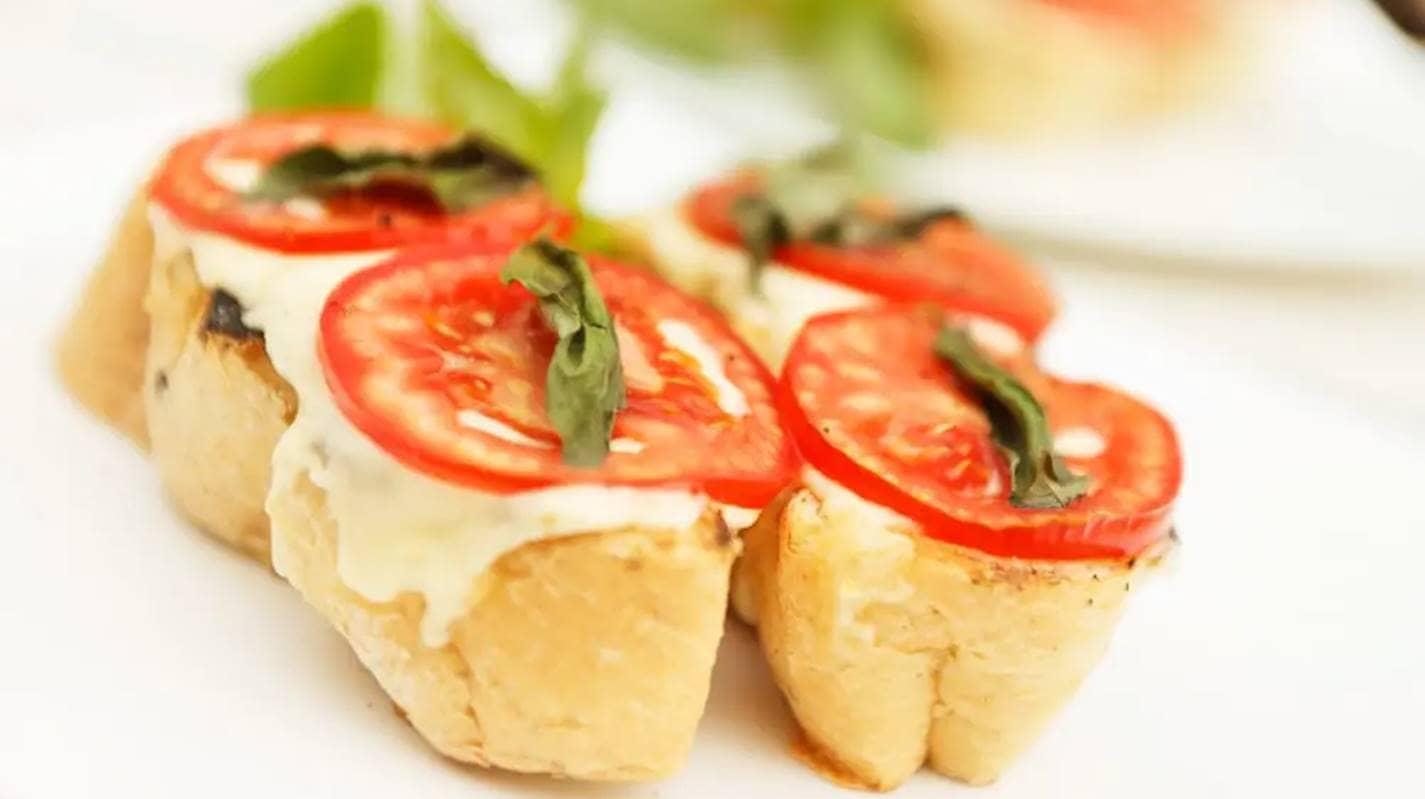 Receita fácil de crostinis, pronta em 15 minutos com ingredientes de casa