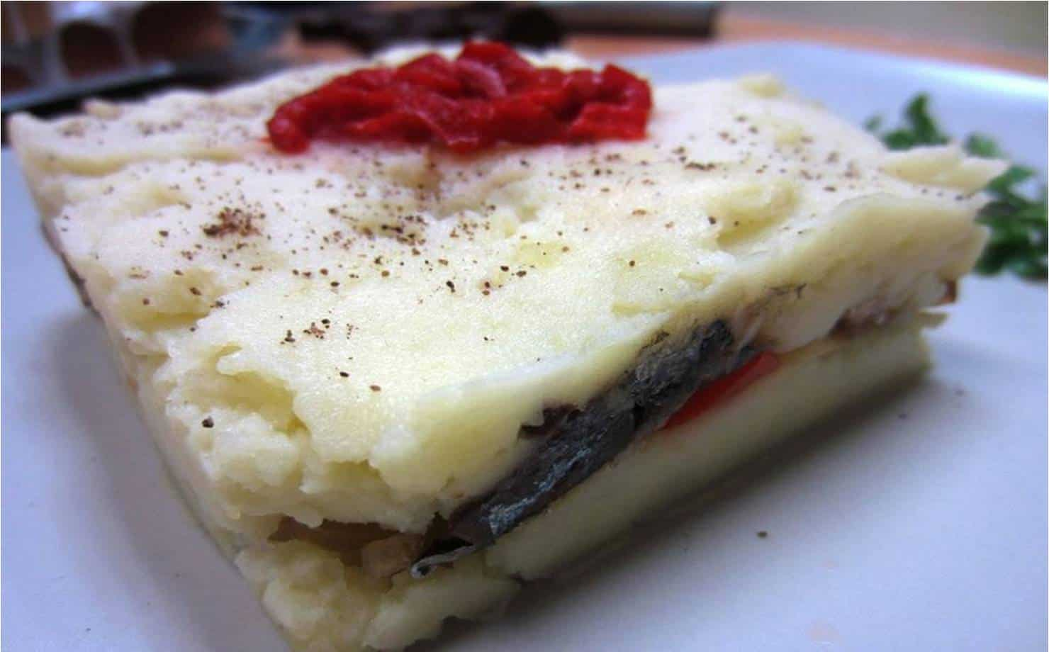 Bolo de batata com sardinha