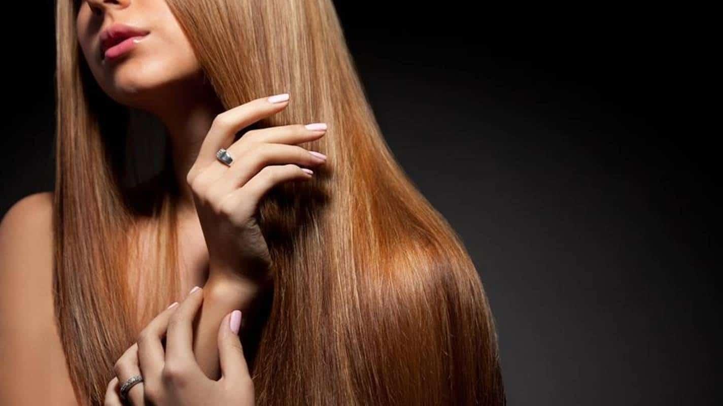 Obtenha um cabelo liso e brilhante com botox capilar caseiro