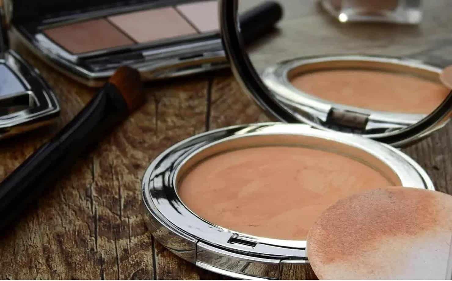 Como fazer uma base de maquiagem natural caseira