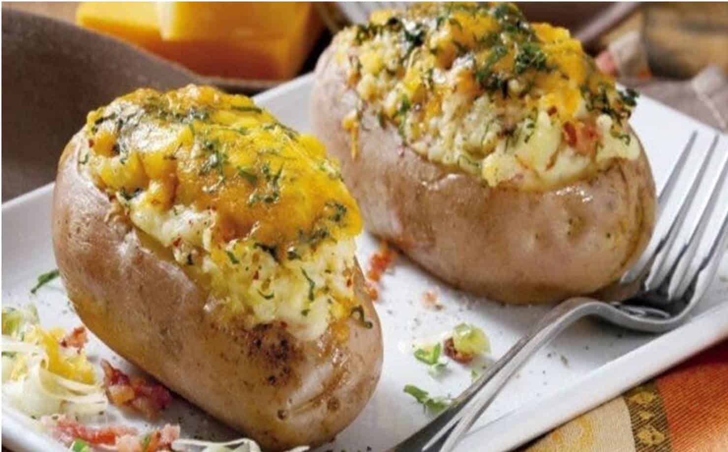 Aprenda a preparar deliciosas batatas recheadas e surpreenda sua família